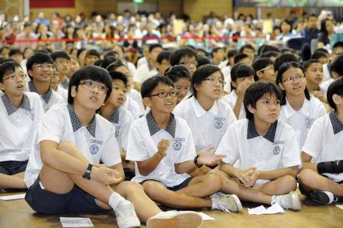 Bạn sẽ chẳng than vãn thi cử áp lực nữa nếu biết học sinh ở những quốc gia này còn phải trải qua kỳ thi khốc liệt hơn nhiều - Ảnh 6.