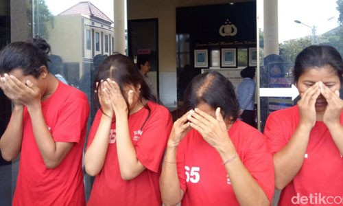 Rao bán trẻ em trên Instagram, 4 công dân Indonesia bị cảnh sát tóm gọn - Ảnh 2.