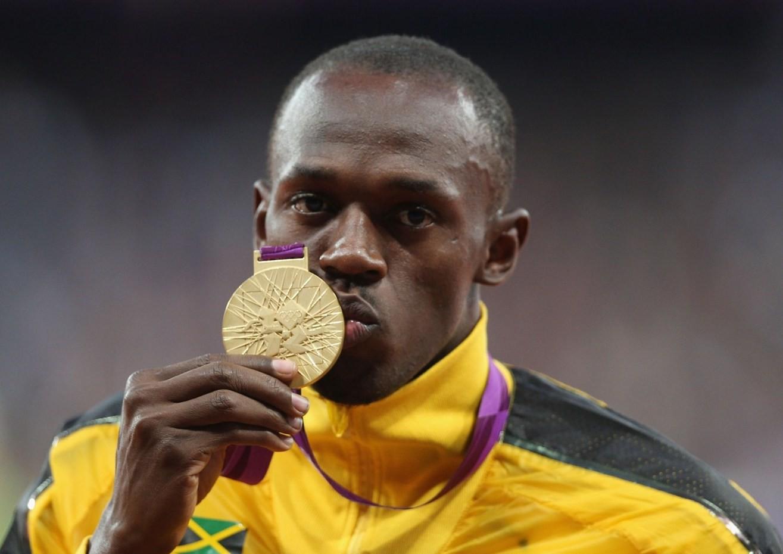 Khó tin: Người đàn ông chạy nhanh nhất hành tinh ghi 2 bàn trong trận bóng đá chuyên nghiệp - Ảnh 3.