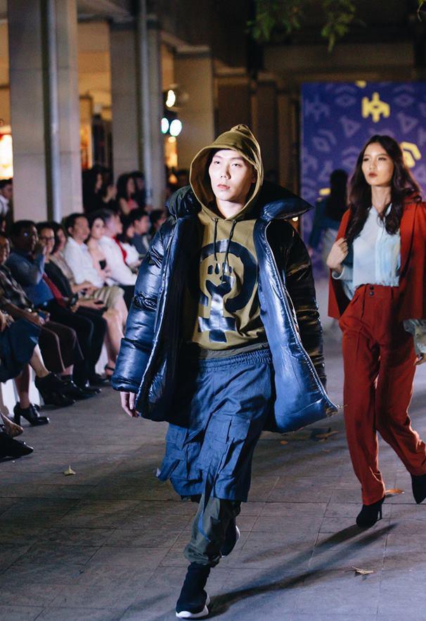 Đã mắt với những thiết kế ấn tượng không thua kém bất cứ sàn diễn quốc tế nào của sinh viên Thiết kế Thời trang, Đại học Kiến trúc Thành phố Hồ Chí Minh - Ảnh 20.