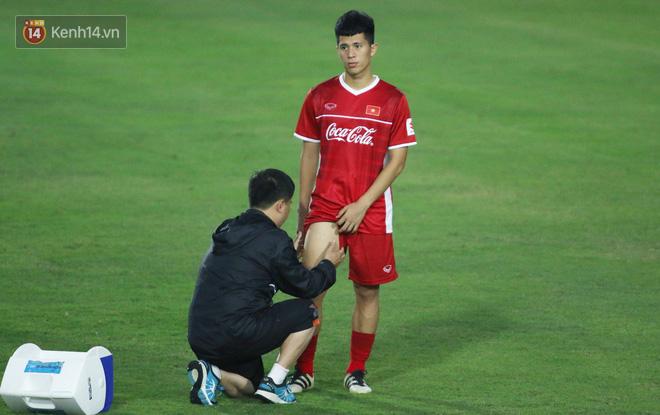 Fan của Đình Trọng chắc chắn sẽ lo lắng khi chứng kiến hình ảnh này - Ảnh 2.