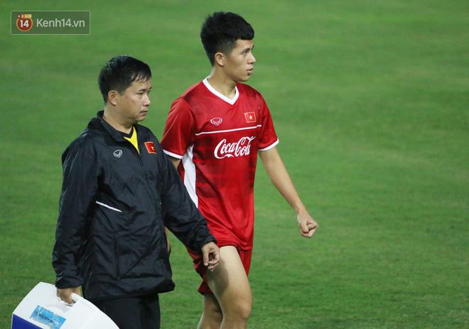 Fan của Đình Trọng chắc chắn sẽ lo lắng khi chứng kiến hình ảnh này - Ảnh 3.