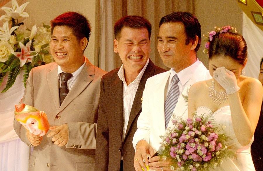 Những tình huống dở khóc dở cười trong đám cưới sao Việt: Suýt sạt nghiệp vì khách mời tăng đột biến, khán giả lên tận lễ đường xin chữ ký - Ảnh 7.
