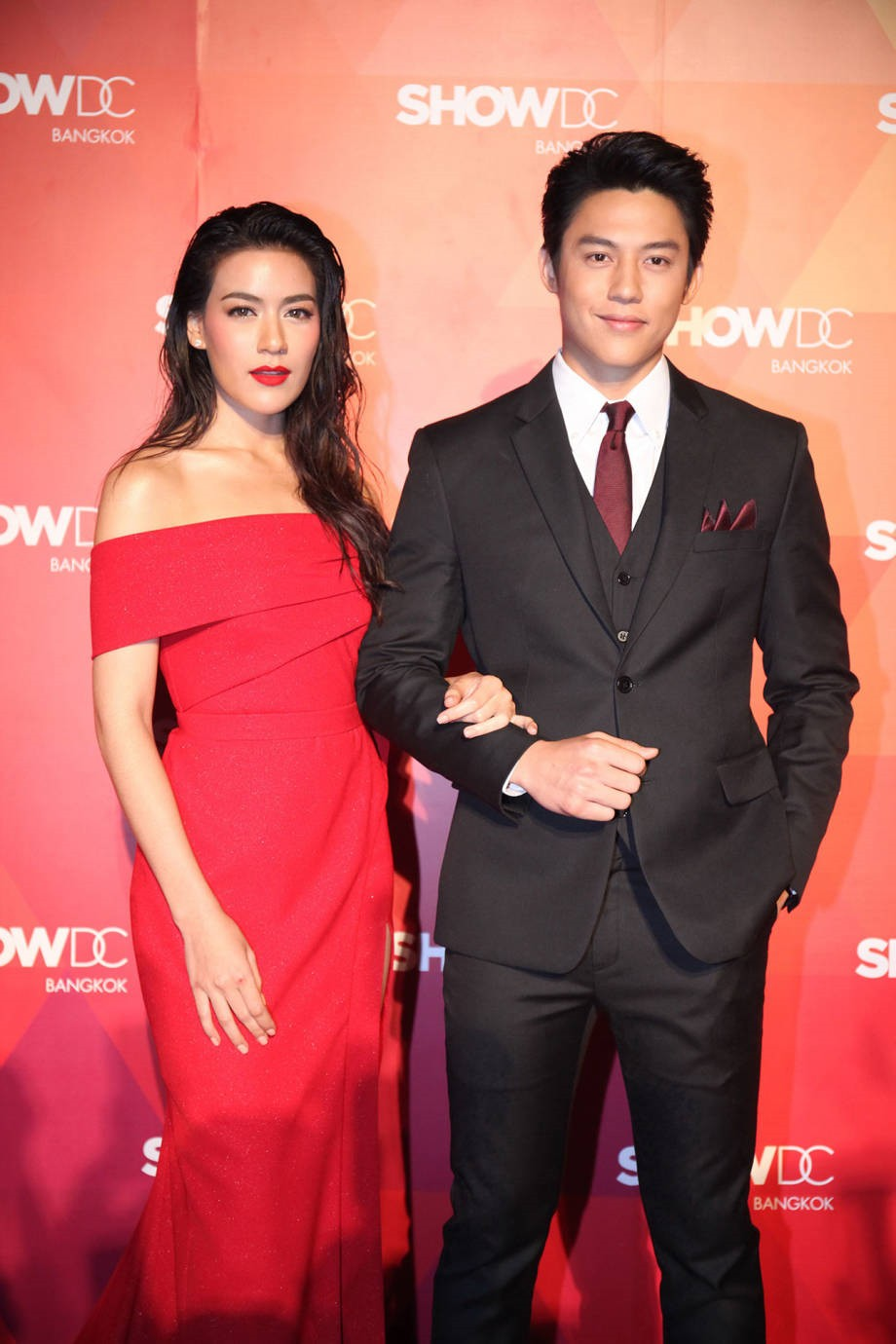 Dàn sao seri phim hoành tráng nhất Thái Lan sau 8 năm: Nam nữ chính nên duyên, đồng loạt đổi đời thành sao hạng A - Ảnh 16.