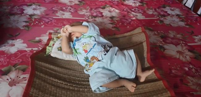1 tháng trôi qua, bé trai bị bỏ rơi khi còn nguyên dây rốn ở Bạc Liêu vẫn đang chờ bố mẹ ruột đón về - Ảnh 3.