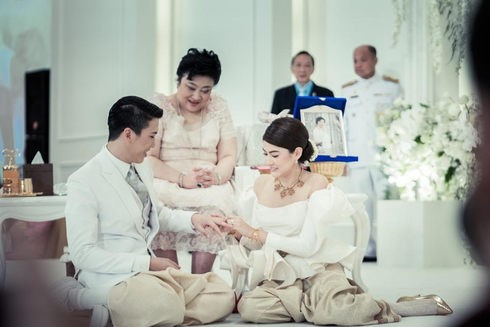 Dàn sao seri phim hoành tráng nhất Thái Lan sau 8 năm: Nam nữ chính nên duyên, đồng loạt đổi đời thành sao hạng A - Ảnh 37.
