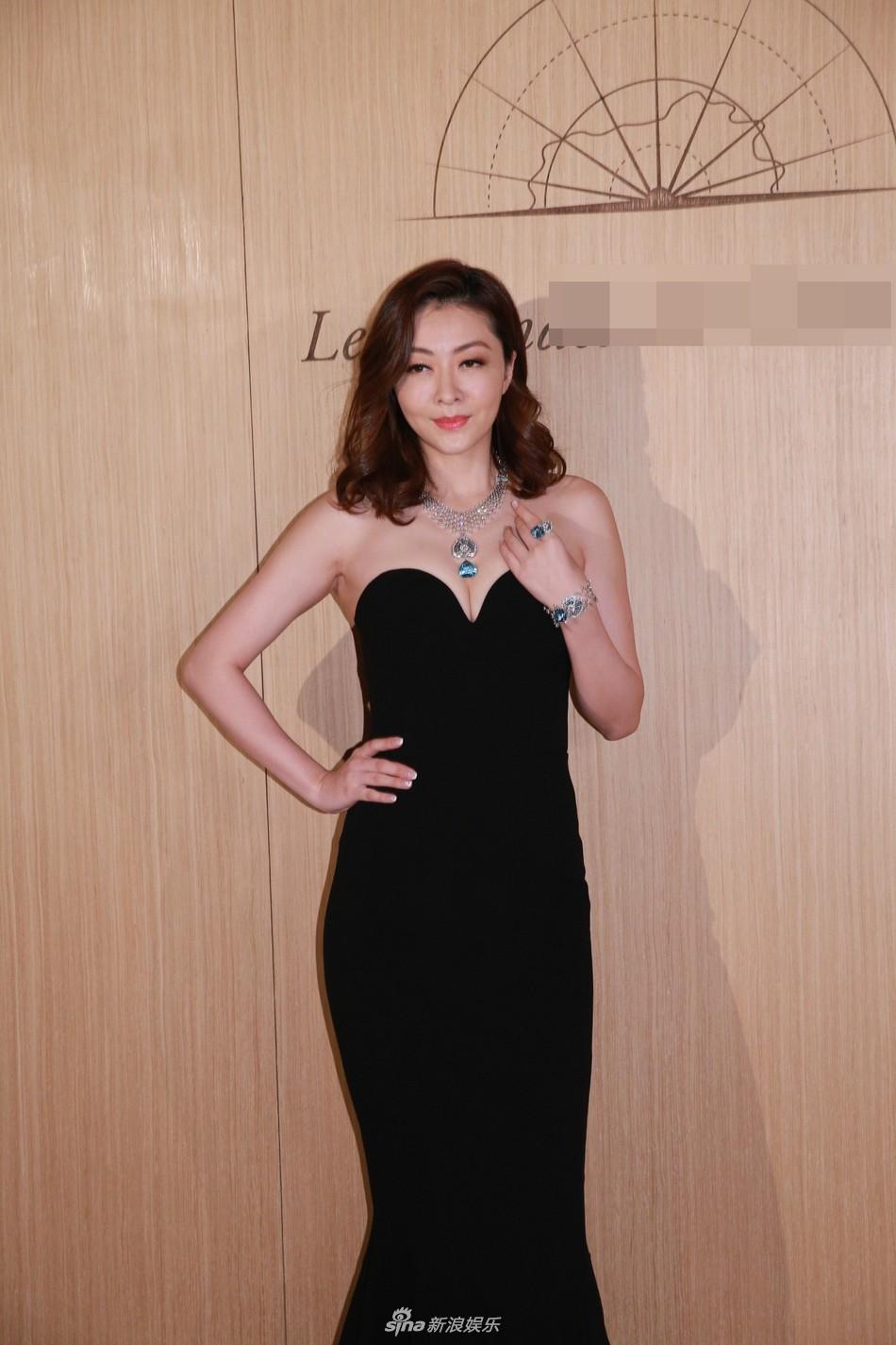 Lần đầu xuất hiện sau khi sinh con, siêu mẫu số 1 Hong Kong Hùng Đại Lâm khoe vóc dáng nóng bỏng hút mắt - Ảnh 5.