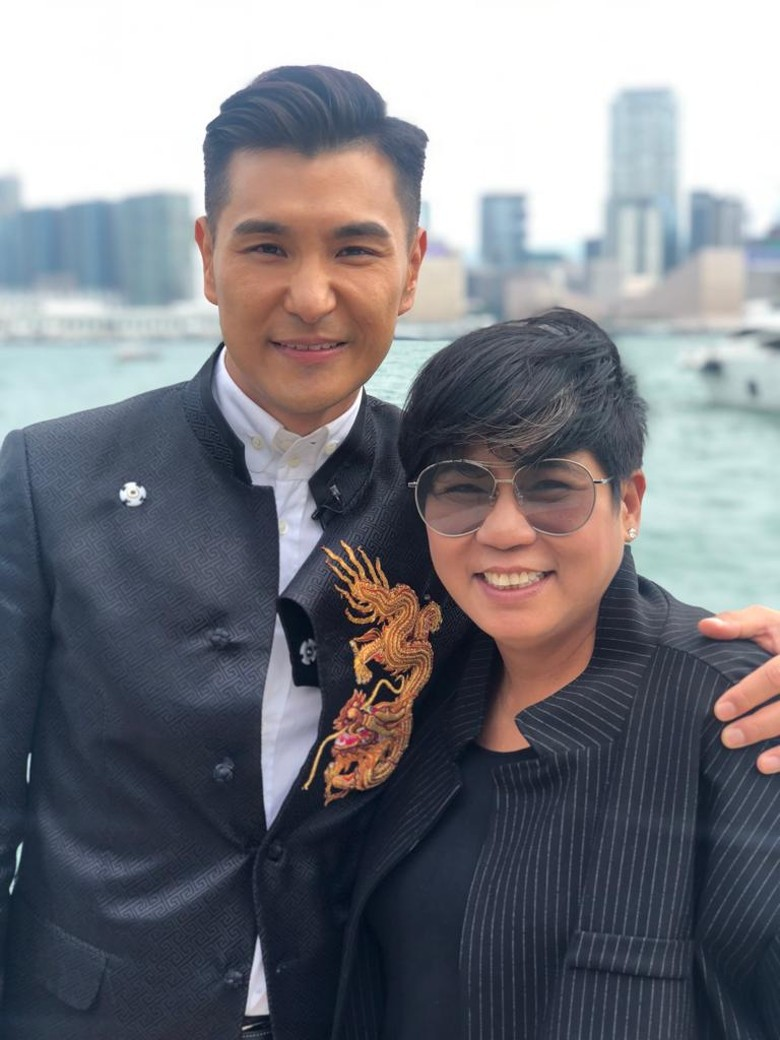 """""""Thị Đế"""" TVB rước thí sinh Hoa hậu Hong Kong kém 13 tuổi về dinh, dàn Á hậu người đẹp Hong Kong nô nức có mặt - Ảnh 9."""