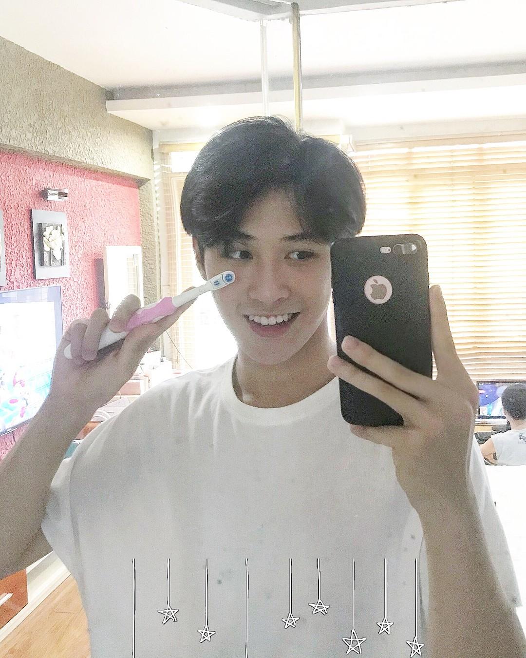 Nam sinh Hà Nội sinh năm 2002 cao 1m79 vô cùng điển trai, tiết lộ vẫn còn F.A - Ảnh 5.