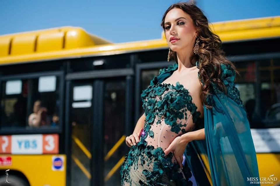 Nhờ sự cổ vũ nhiệt tình của fan Việt, Phương Nga vào Top 9 chụp ảnh chân dung tại Miss Grand International 2018 - Ảnh 9.
