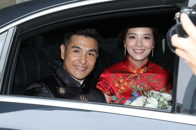 """""""Thị Đế"""" TVB rước thí sinh Hoa hậu Hong Kong kém 13 tuổi về dinh, dàn Á hậu người đẹp Hong Kong nô nức có mặt - Ảnh 7."""