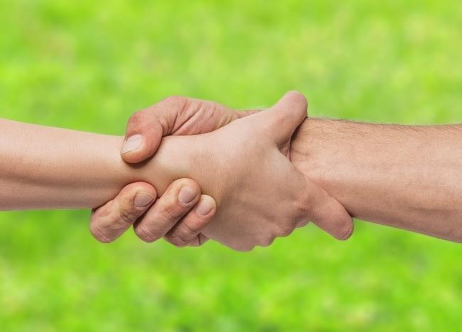 Bạn thường nắm tay người thương như thế nào? Nó tiết lộ khá nhiều điều đấy - Ảnh 8.