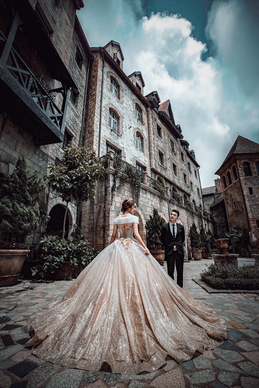 Ưng Hoàng Phúc khoá môi bà xã Kim Cương ngọt ngào trong bộ ảnh cưới, đã ấn định ngày cử hành hôn lễ - Ảnh 11.