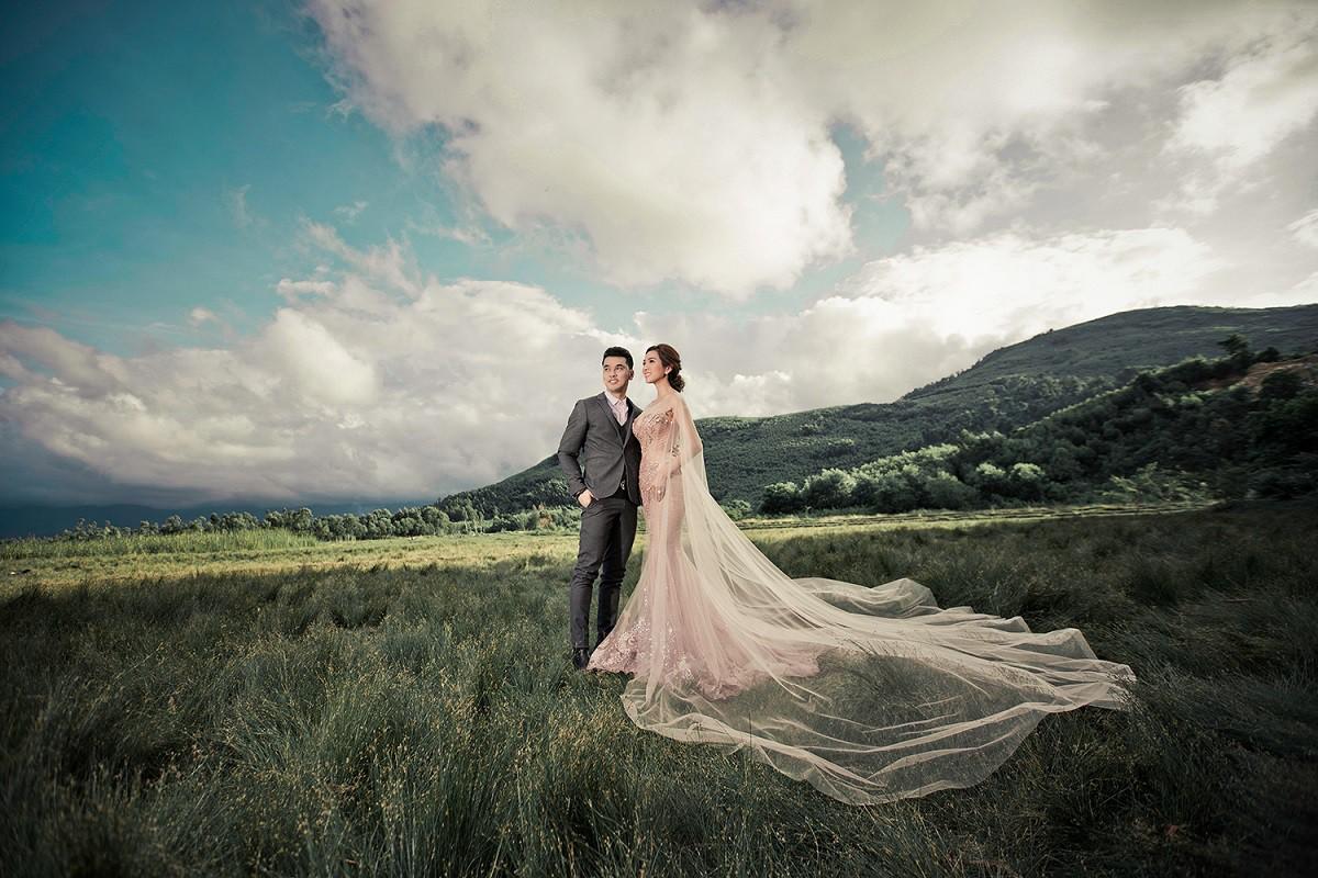 Ưng Hoàng Phúc khoá môi bà xã Kim Cương ngọt ngào trong bộ ảnh cưới, đã ấn định ngày cử hành hôn lễ - Ảnh 3.