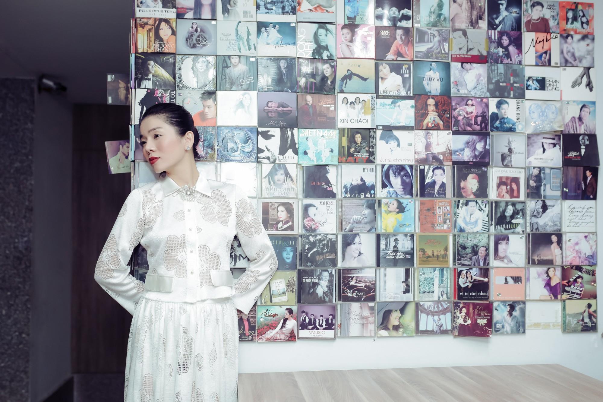 Chiều fan hết cỡ, Lệ Quyên ra mắt một lúc 2 album lớn với 2 dòng nhạc khác nhau - Ảnh 2.
