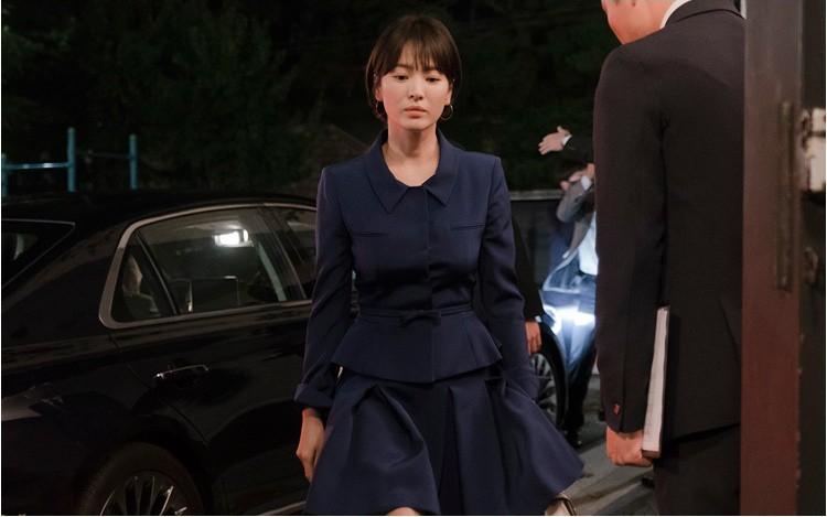 Song Hye Kyo: 10 năm nhan sắc đỉnh cao với tóc ngắn - Ảnh 20.