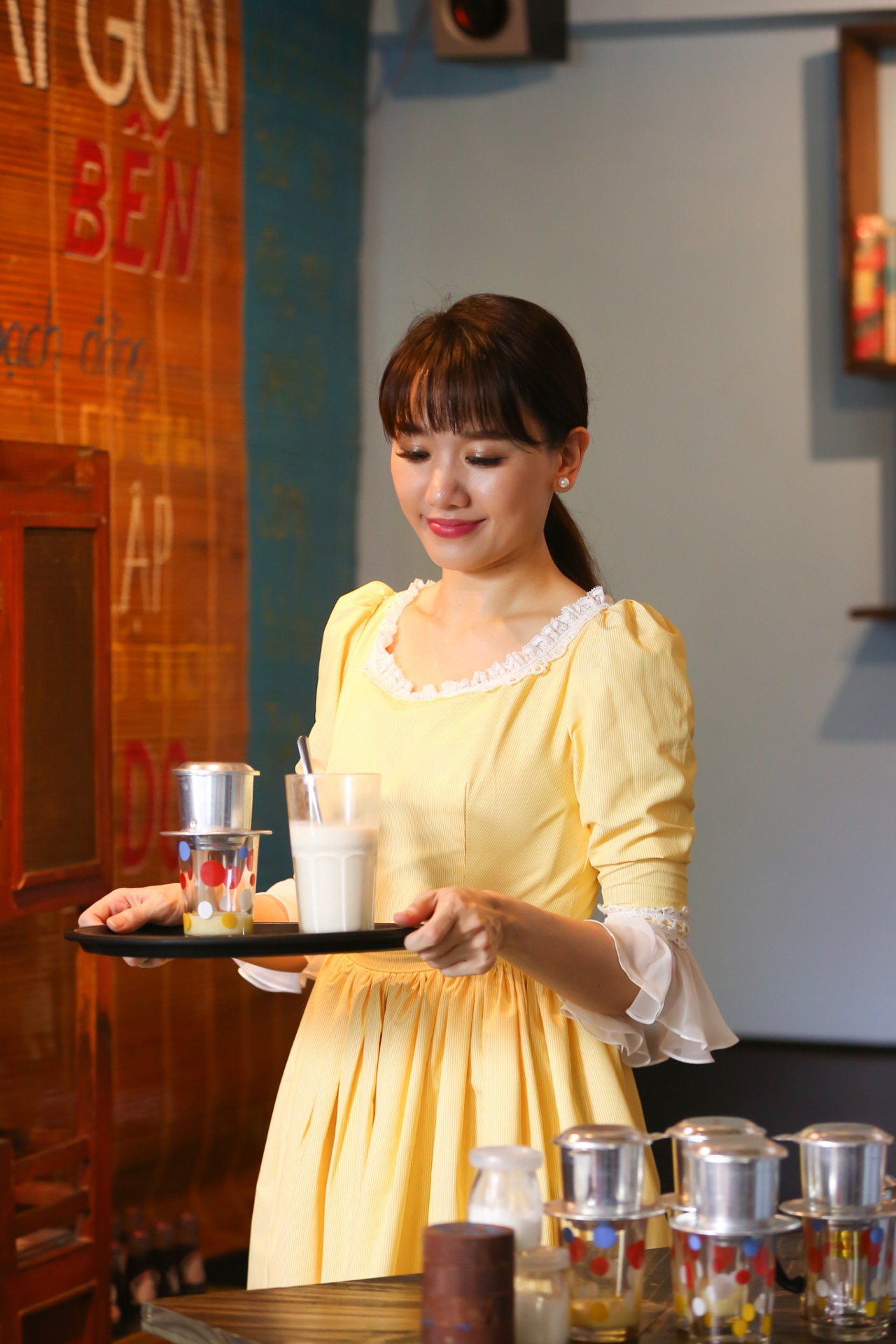 Sau 2 năm lấy Trấn Thành, Hari Won hát về nỗi lòng những người vợ thấu hiểu nỗi vất vả của chồng