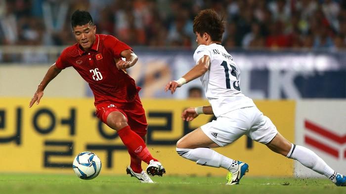 Báo Nhật Bản: Quang Hải, Văn Hậu và Đức Chinh đủ trình độ thi đấu tại J.League - Ảnh 3.