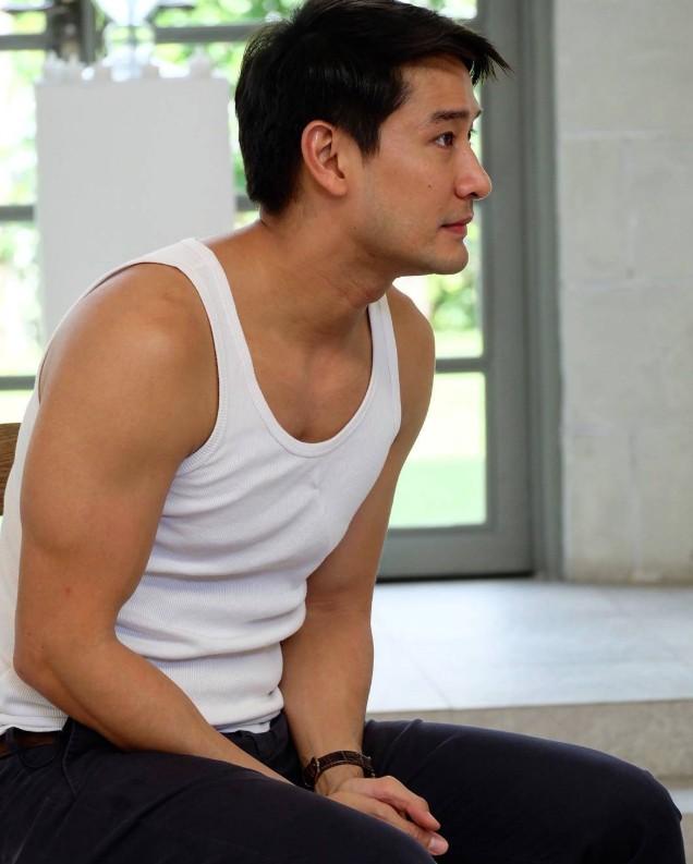 Vượt qua James Ji, Nadech và cả Mario, nam thần điển trai số 1 đài CH3 Thái là ông chú cực phẩm U40 này - Ảnh 8.