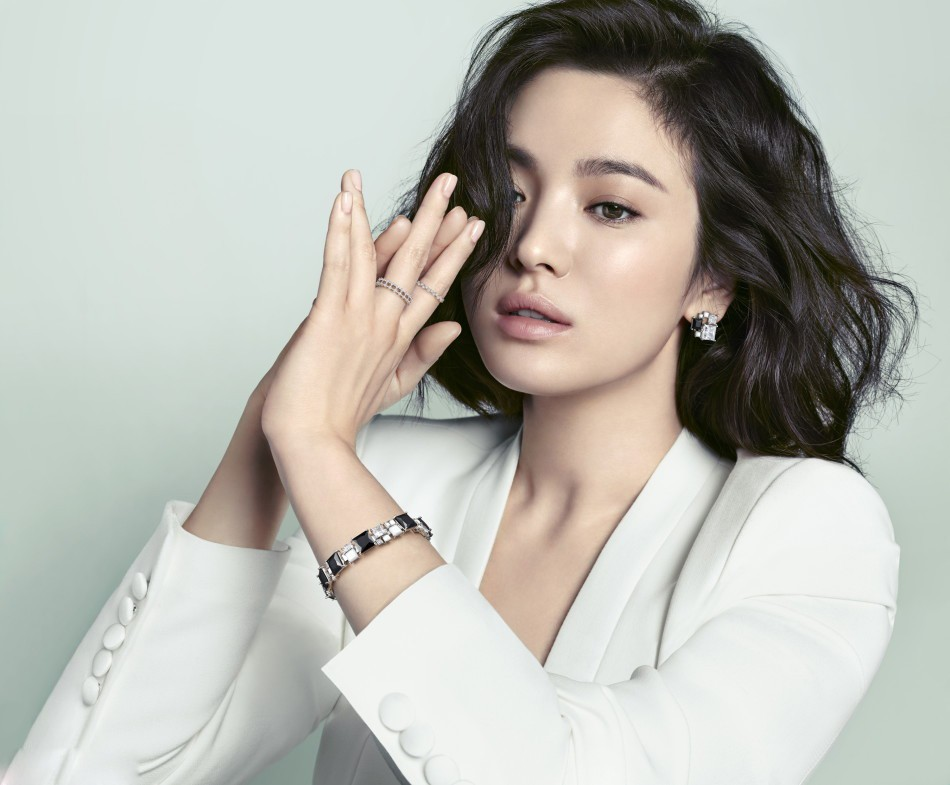 Song Hye Kyo: 10 năm nhan sắc đỉnh cao với tóc ngắn - Ảnh 13.