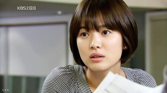 Song Hye Kyo: 10 năm nhan sắc đỉnh cao với tóc ngắn - Ảnh 2.