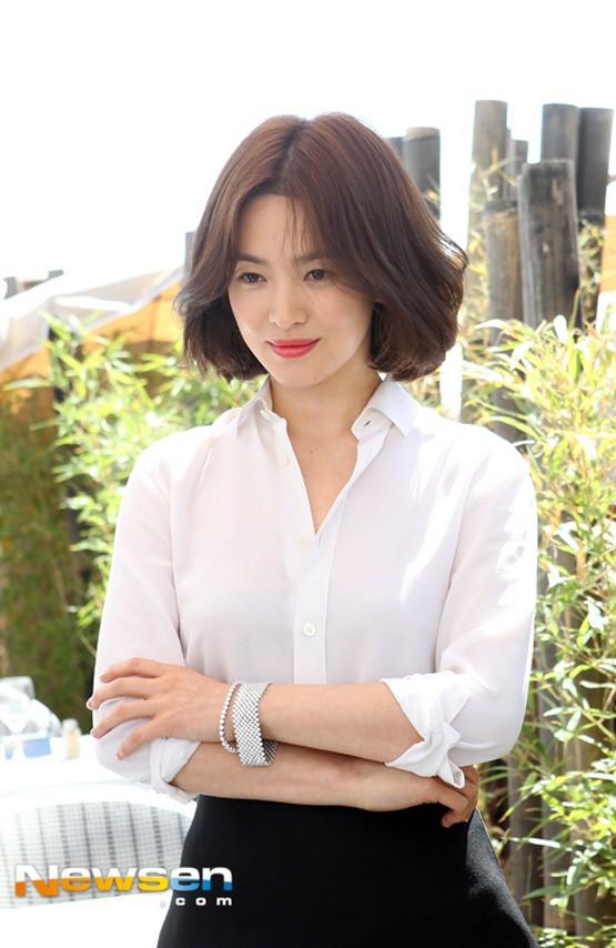 Song Hye Kyo: 10 năm nhan sắc đỉnh cao với tóc ngắn - Ảnh 6.
