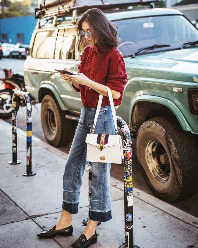 15 set đồ sau sẽ giúp các nàng biến hóa tài tình với quần jeans