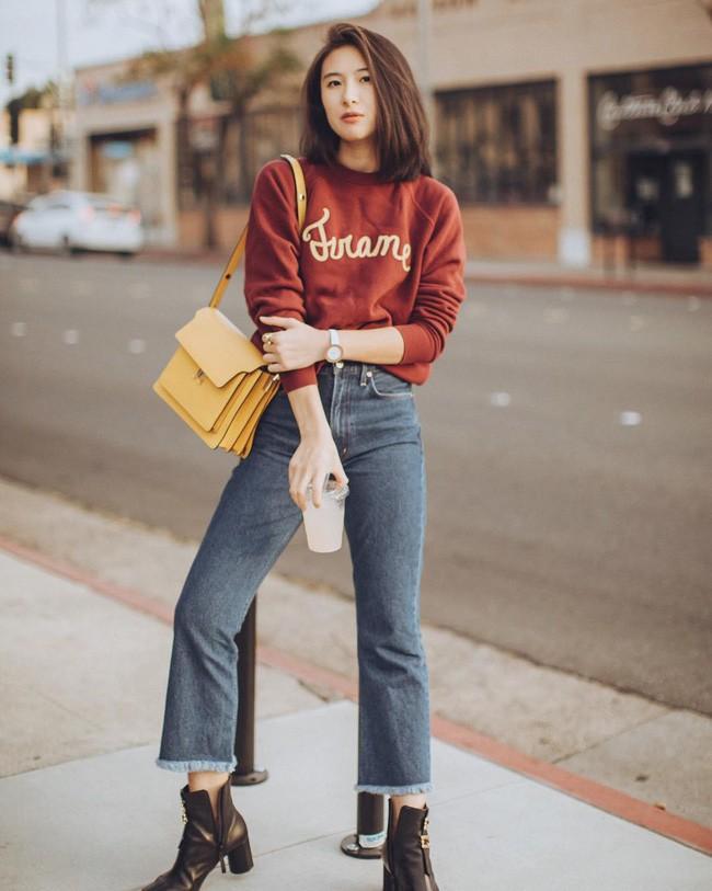 """""""Ngôi sao"""" của mùa đông chính là quần jeans và 15 set đồ sau sẽ giúp các nàng biến hóa tài tình với item này - Ảnh 8."""