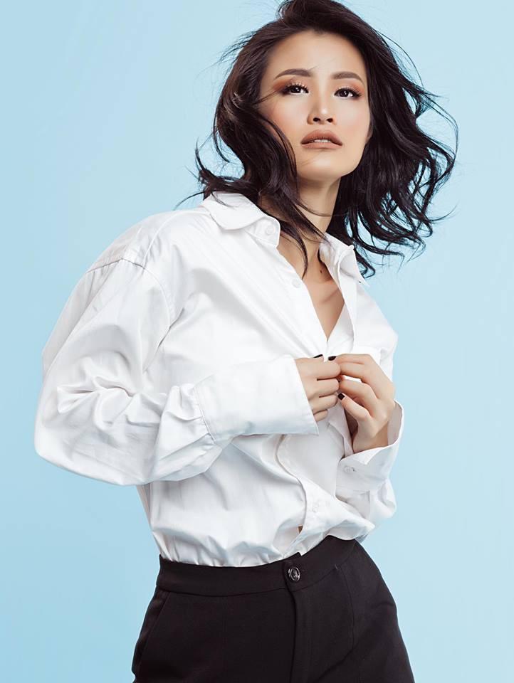 """Dàn mỹ nhân Việt gây """"choáng"""" khi bất ngờ diện bikini khoe dáng nóng bỏng dù suốt ngày trung thành style kín đáo - Ảnh 8."""