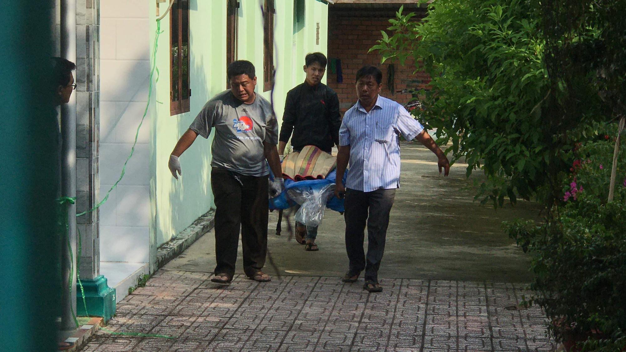 """Người đàn ông nghi bị đâm chết vì vào nhà nghỉ """"tâm sự"""" với thiếu nữ đã có chồng ở Sài Gòn - Ảnh 2."""