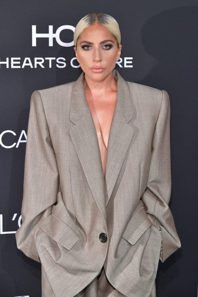 Dân tình chê bộ suit của Lady Gaga thùng thình như bao tải, cô chẳng đoái hoài và lặng lẽ giải thích ý nghĩa - Ảnh 1.