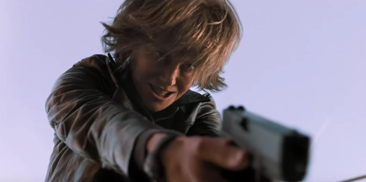 Fan còn chưa hết sốc vì tạo hình mẹ già, thiên nga Úc Nicole Kidman đã táo tợn bắt cướp trong trailer Destroyer - Ảnh 2.
