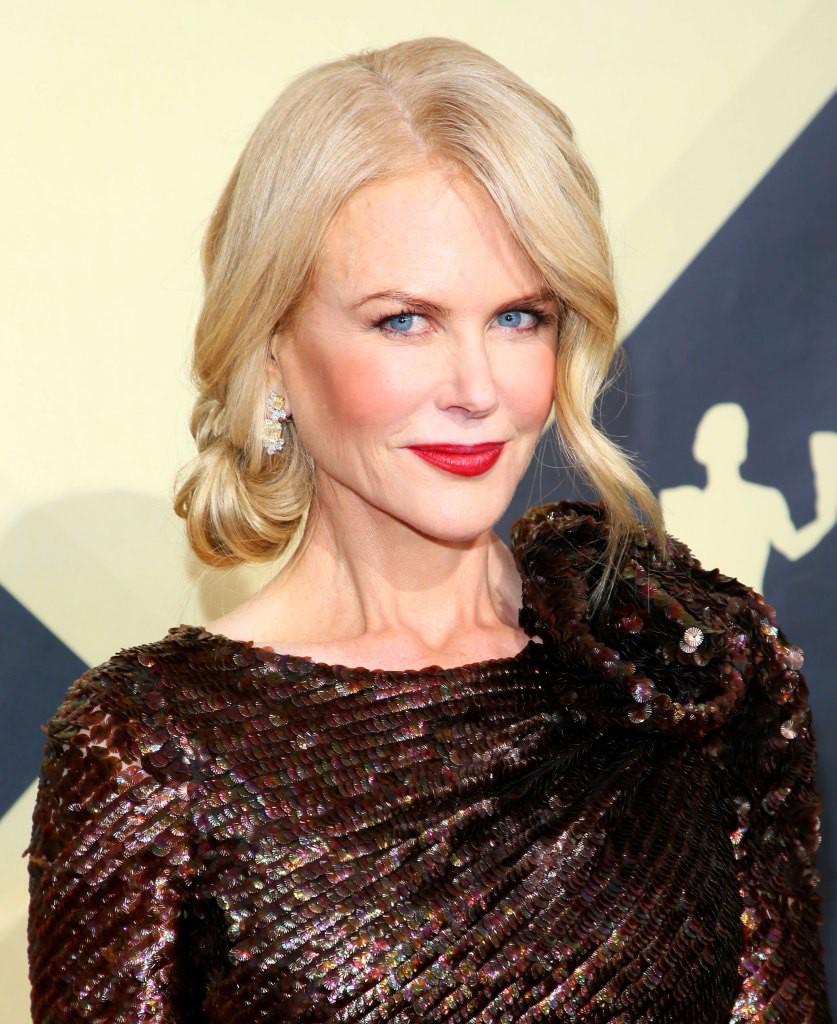 Fan còn chưa hết sốc vì tạo hình mẹ già, thiên nga Úc Nicole Kidman đã táo tợn bắt cướp trong trailer Destroyer - Ảnh 5.