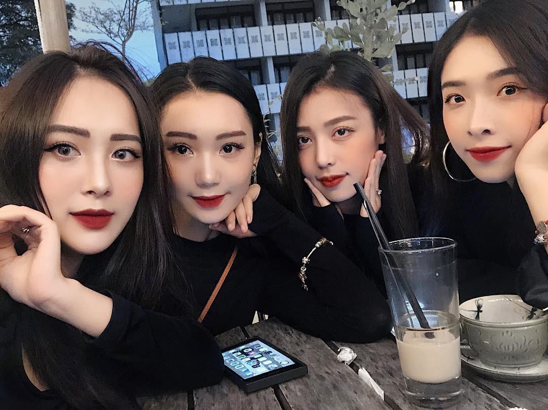 Hội bạn thân hack não người nhìn, nổi nhất chính là em họ xinh đẹp của ca sĩ Hương Tràm - Ảnh 2.