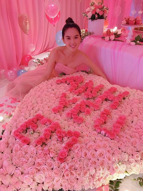 Lộ tin nhắn của người yêu gửi Ngọc Trinh: Xưng hô vợ chồng, cung phụng như bà hoàng - Ảnh 3.