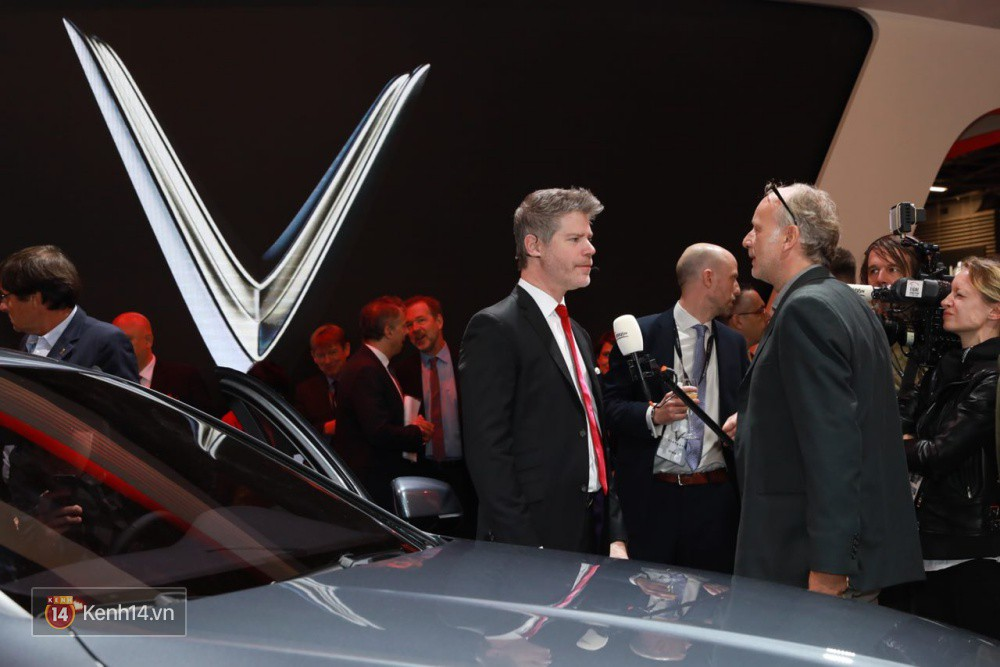 VINFAST: Màn ra mắt xe VINFAST đẳng cấp cùng tinh thần tự hào dân tộc - Ảnh 12.
