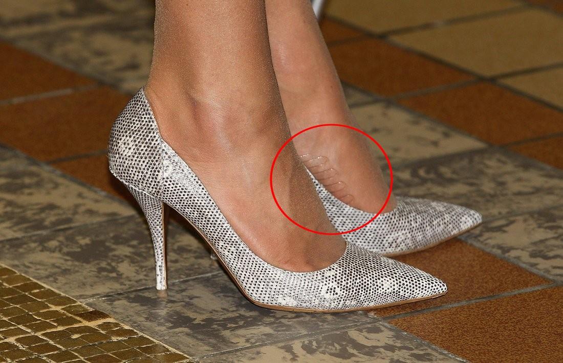 Tinh tế như Công nương Kate: chọn quần tất cũng là một nghệ thuật, vừa tự nhiên khó phát hiện lại vừa phải chắc chân, không lo tuột giày - Ảnh 5.