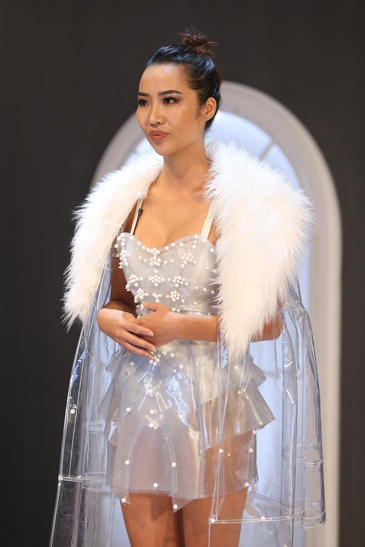 Minh Hằng The Face 2018 bị thí sinh nhận xét là thiếu chuyên nghiệp - Ảnh 2.