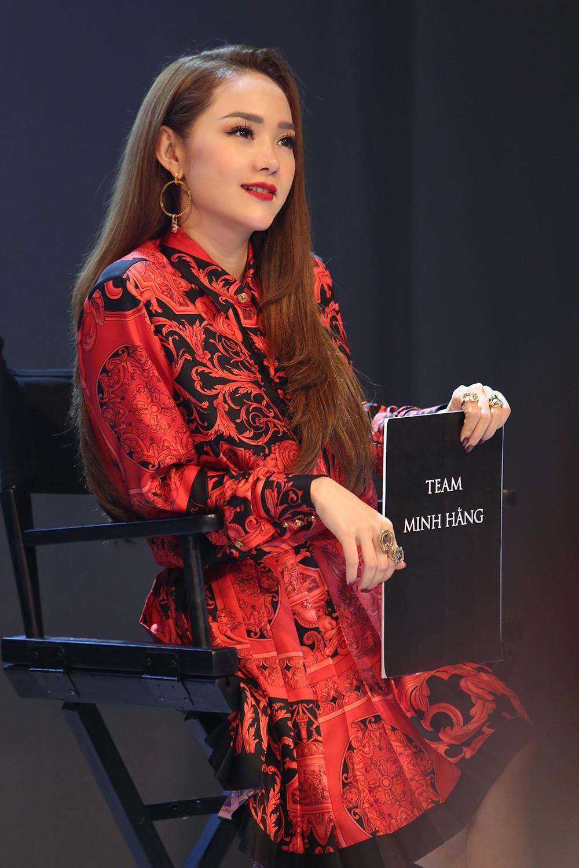 Minh Hằng nói gì khi bị thí sinh nhận xét là thiếu chuyên nghiệp, không nên làm HLV The Face?
