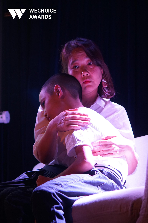 Cô gái ung thư trên sân khấu Memento Mori với vai diễn về cuộc đời của chính mình: Chưa bao giờ cảm giác cơn đau kinh khủng như thế - Ảnh 11.
