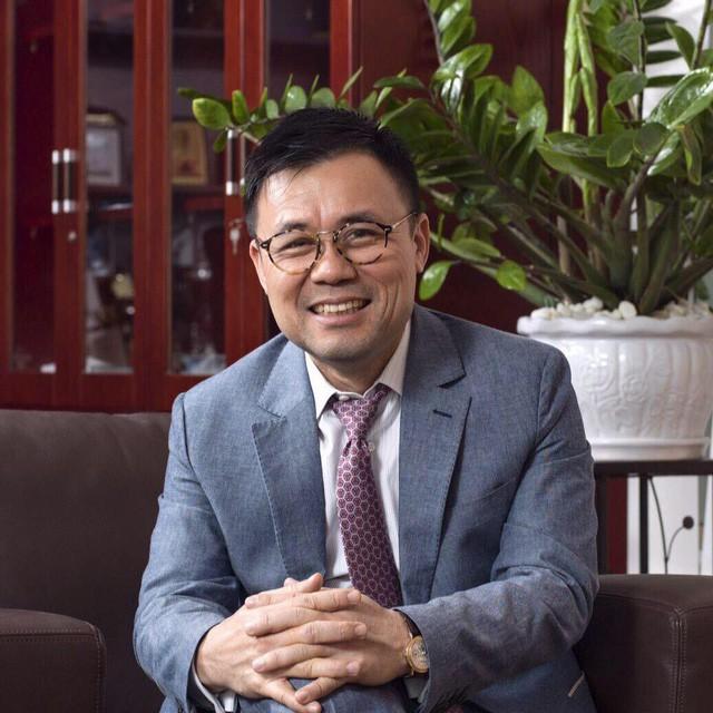 VINFAST: Ông Nguyễn Duy Hưng mua 5 chiếc xe VINFAST đầu tiên là ai? - Ảnh 2.