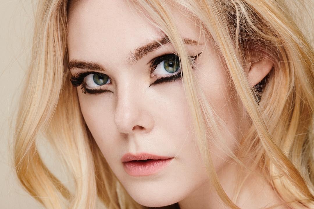 Từ show diễn Le Défilé tại PFW, bạn sẽ thấy có ít nhất 3 xu hướng makeup sẽ bùng nổ mạnh mẽ trong thời gian tới - Ảnh 1.