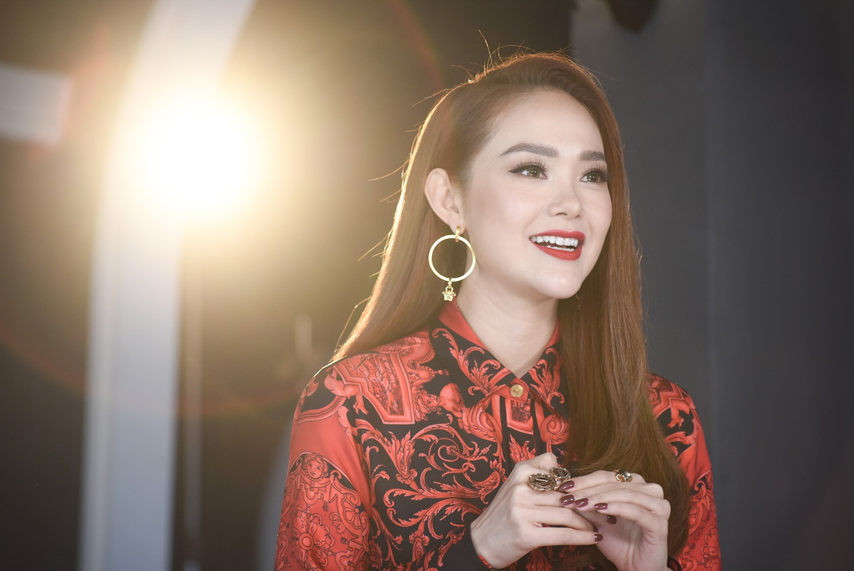 Minh Hằng The Face 2018 bị thí sinh nhận xét là thiếu chuyên nghiệp - Ảnh 3.