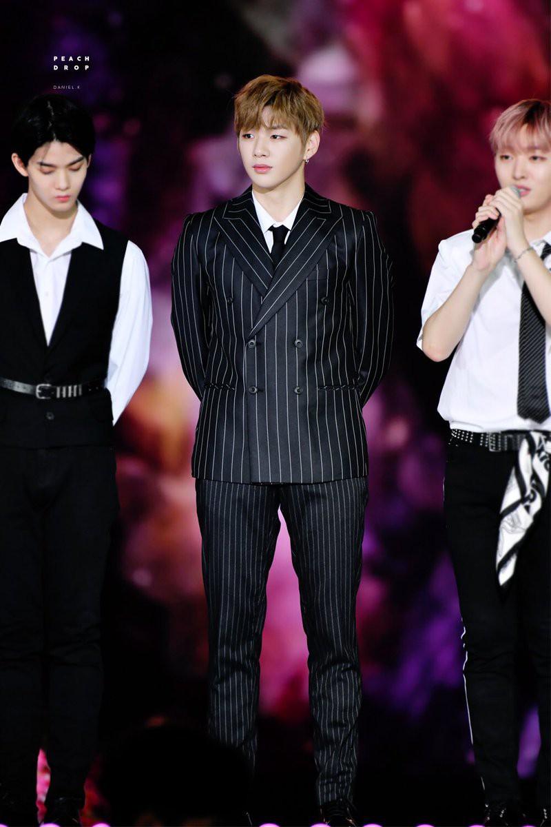 Idol nam hot nhất tháng 10: BTS đình đám thế giới thống trị top đầu, Seungri bất ngờ leo lên top 2 vì lý do này! - Ảnh 1.