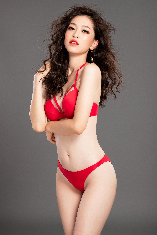 Clip: Á hậu Phương Nga khoe vóc dáng nóng bỏng trước giờ trình diễn bikini tại Miss Grand International 2018 - Ảnh 2.