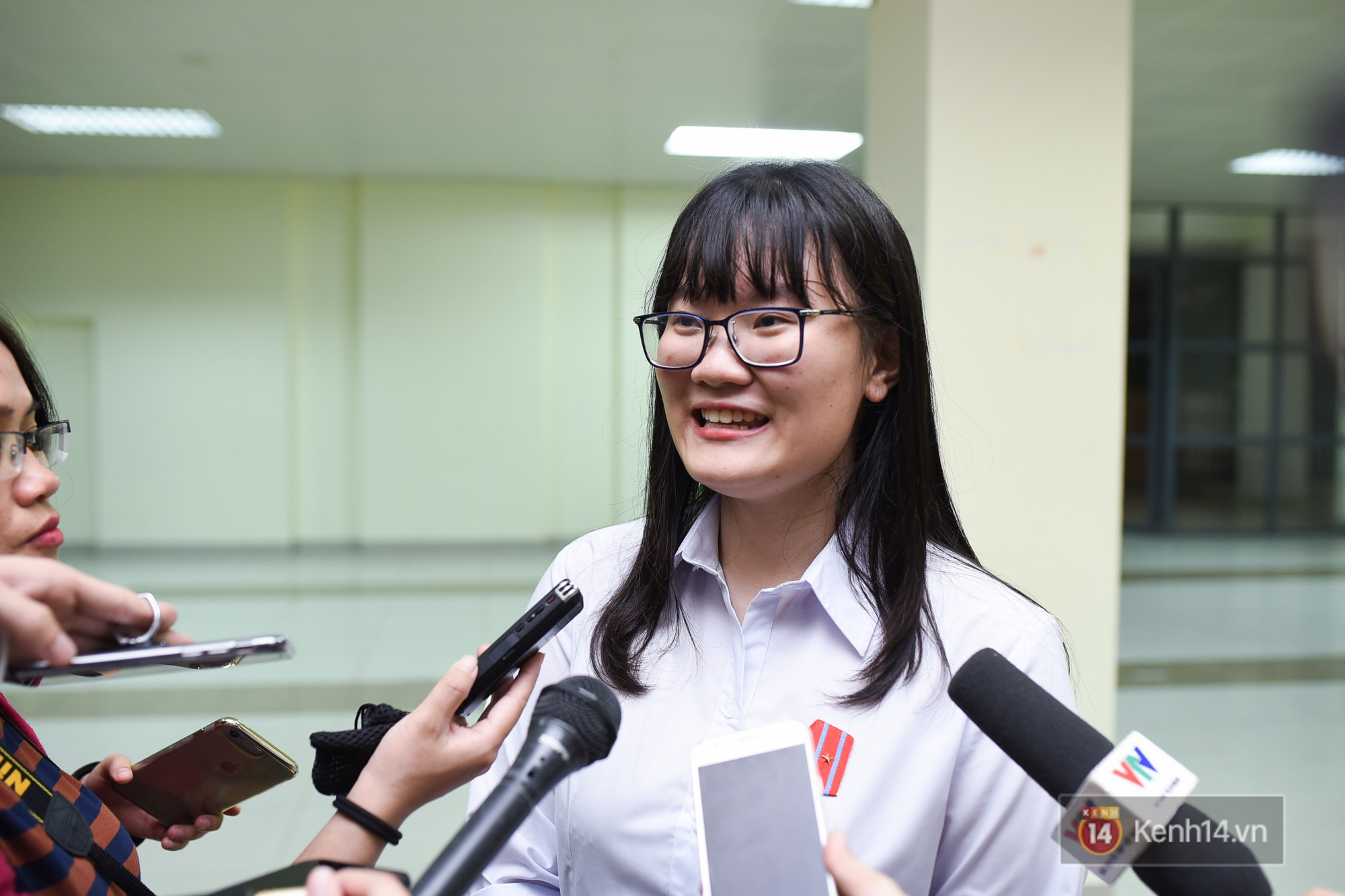 Nữ sinh 2000 giành HCV Olympic Sinh học Quốc tế, đạt kỷ lục thí sinh có điểm thi cao nhất thế giới: Ba lô đến trường nặng 8kg toàn là sách vở - Ảnh 8.