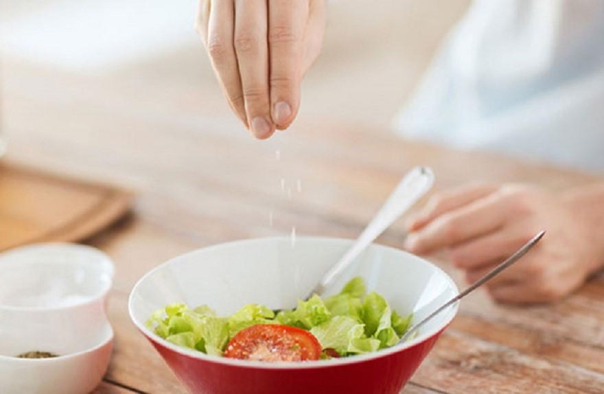 5 thói quen ăn uống gây hỏng thận sớm mà bạn nên sửa ngay từ bây giờ - Ảnh 1.