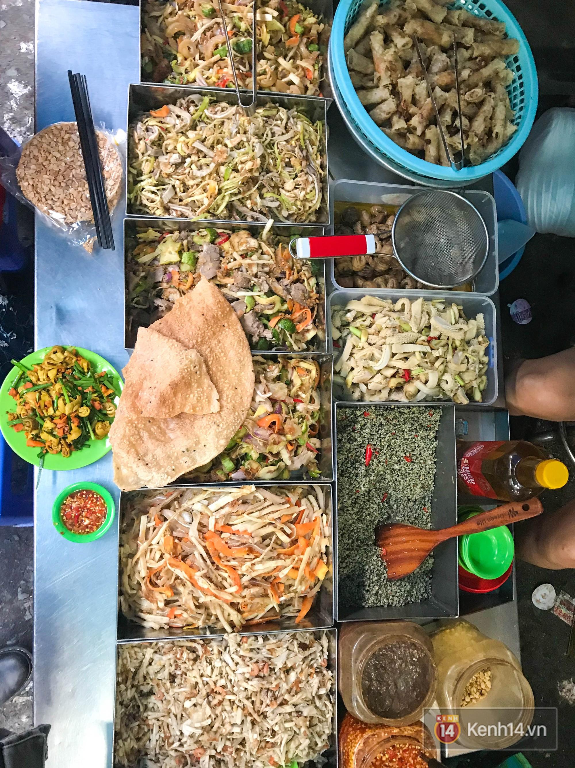 Những món ăn vặt miền Trung hiếm có khó tìm nhất định không thể bỏ lỡ khi đến chợ Bà Hoa - Ảnh 7.