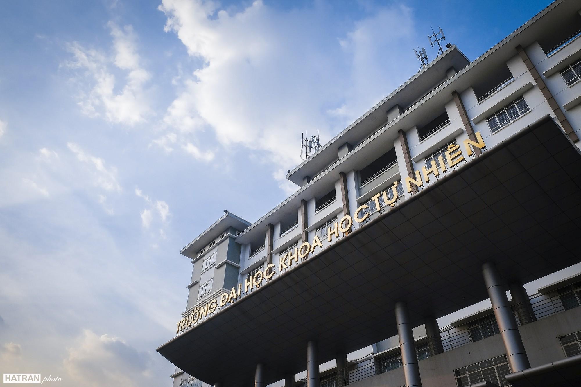 Trường Đại học dễ thương, lãng mạn nhất Sài Gòn, nơi có ghế đá FA dành cho người cô đơn nổi đình nổi đám một thời - Ảnh 28.