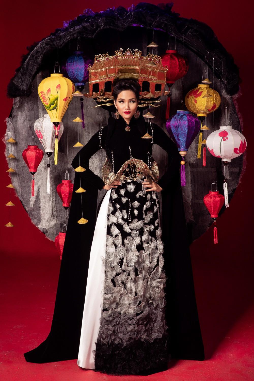 Chiêm ngưỡng 6 bộ quốc phục độc đáo khiến HHen Niê phân vân chọn lựa để mang đi chinh chiến Miss Universe 2018 - Ảnh 4.
